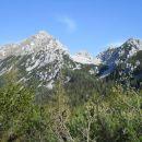 Razgled s poti na Vrtačo, Zelenjak in Palec (od leve proti desni)