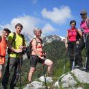 Razgledna točka ob poti, kjer se nam prvič prikaže vrh Slemena