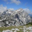 Razgled iz vrha na Planjavo (levo) in Ojstrico (desno)