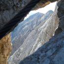 Pogled skozi okno na čudovito Brano