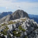 Razgled z vrha na sosednji Pihavec