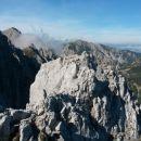 Razgled z vrha na Stol, Vajnež in Ovčji vrh (od leve proti desni)
