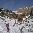 Pot proti Jezercem in razgled na severno pobočje Malega Draškega vrha