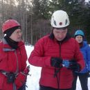 Učenje uporabe lavinske opreme pred Domom na Okrešlju