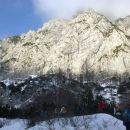 Pot proti Savinjskemu sedlu in pogled na stene Mrzle gore