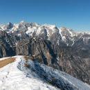 Razgled z vrha na Luknjo peč, Škrlatico, Martuljške gore in Vrtaško Sleme