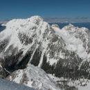Razgled z vrha na Vrtačo, Zelenjak in Palec (od leve proti desni)