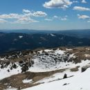 Razgled iz vrha na Blegoš in Krekovo kočo na Ratitovcu