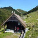 Malo počitka pri pastirski koči na planini Dolga njiva (1600m)