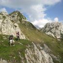 Malo pod vrhom Viševnika in razgled na Mali Draški vrh