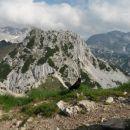 Razgled z vrha na Triglav (levo), Mali Draški vrh (v sredini) in Rjavino (desno)