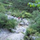 Pot proti zavarovani plezalni poti na Plešivec