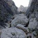 Pogled na prvi skalni skok (III. stopnja težavnosti plezanja)