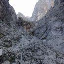 Vzpon čez prvi del skalnih skokov (II. stopnja težavnosti plezanja)