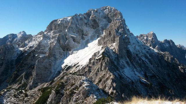 Razgled iz vrha na Stenar, Kukovo špico in Špik (od leve proti desni)