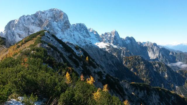 Razgled iz vrha na Martuljške gore