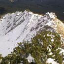 Povratek v dolino in pogled na zasneženo severno stran Viševnika