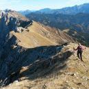 Spust iz Velikega vrha in nadaljnja pot proti Kladivu