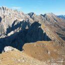 Razgled iz vrha na Montaž, Špik Hude police, Viš, Špik nad Nosom in Planino Pecol