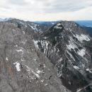 Razgled iz vrha na Zelenjak (levo) in Ovčji vrh (desno)