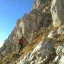 Vstop v zavarovani plezalni del poti na Kogel čez Gamsov skret