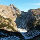 Razgled iz prevala na Mali Draški vrh (levo) in Viševnik (desno)