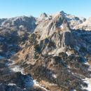 Razgled iz vrha na Debeli vrh, Vrh Hribaric, Mišelj vrh, Kanjavec in Šmarjetno glavo