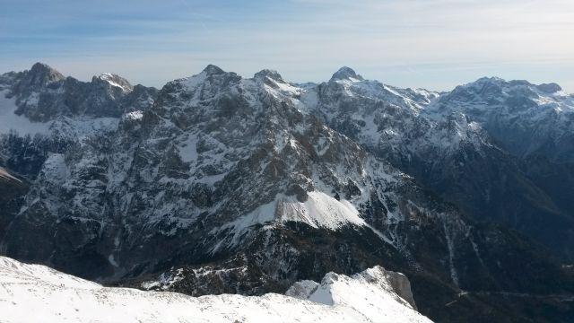 Razgled iz vrha na Martuljške gore, Škrlatico, Triglav in Kanjavec