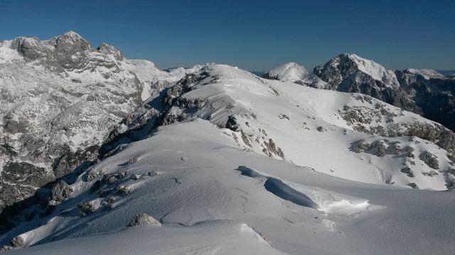 Razgled iz vrha na Štruco, Skuto, Rinke, Tursko goro, Brano, Planjavo in Lučkega Dedca