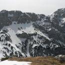 Razgled iz poti na Kokrsko sedlo, Kalško goro (levo) in Kalški greben (desno)