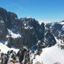 Razgled z vrha Špika na Škrlatico, Dolkovo špico in Razor (od leve proti desni)