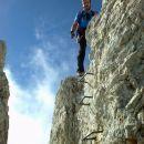 Navpičen spust po skobah proti vrhu Rjavine