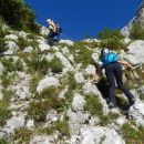 Pot proti Kukovi špici čez krajši skalni skok