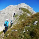 Pogled na nadaljnjo pot proti vrhu Bovškega Gamsovca