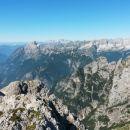 Razgled z vrha Bovškega Gamsovca na Bavški Grintavec, Jalovec in Mangart