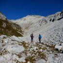 Pot proti Vrhu nad Peski ter razgled nanj