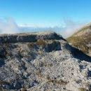 Razgled z Vrha nad Peski na Batognico (levo) in Krn (desno)