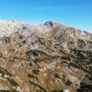 Razgled z vrha Velike Tičarice na Kanjavec, Triglav in Debeli vrh (od leve proti desni)