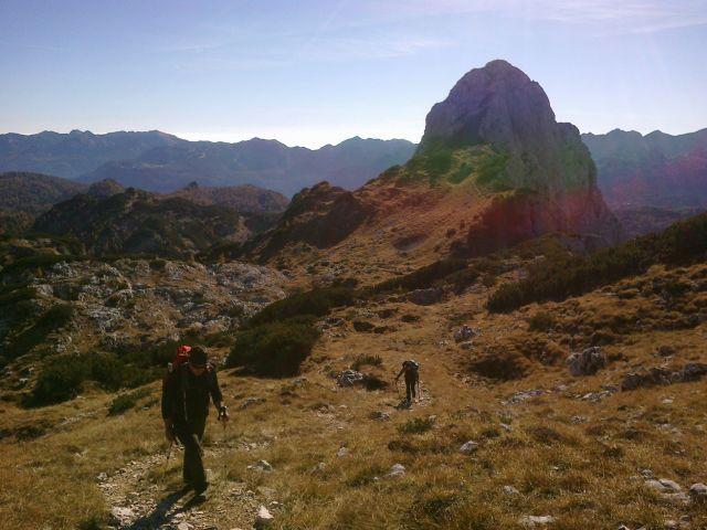 Pot proti Kopici ter razgled nazaj na Veliko Tičarico