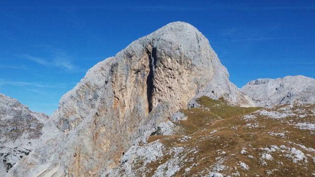 Razgled z poti na mogočno steno Kopice