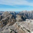 Razgled z vrha Velike Zelnarice v ozadju na Jalovec, Mojstrovke, Prisojnik in Razor