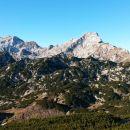 Razgled z vrha Deske na Planjavo, Lučko Babo, Ojstrico in Malo Ojstrico