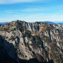 Razgled z vrha Moličke peči na Mrzlo goro, vzhodni greben Košute, Krofičko in Obir