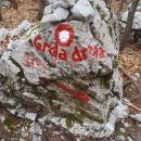 Napisi na skalah, kaj pa če zapade sneg?