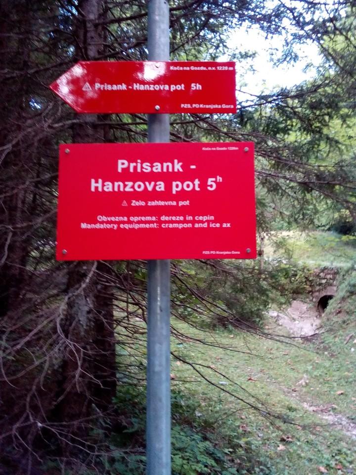 20170823 Prisojnik Hanzova - zadnje okno - foto povečava