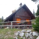 Lovski dom na Podgorski planini.