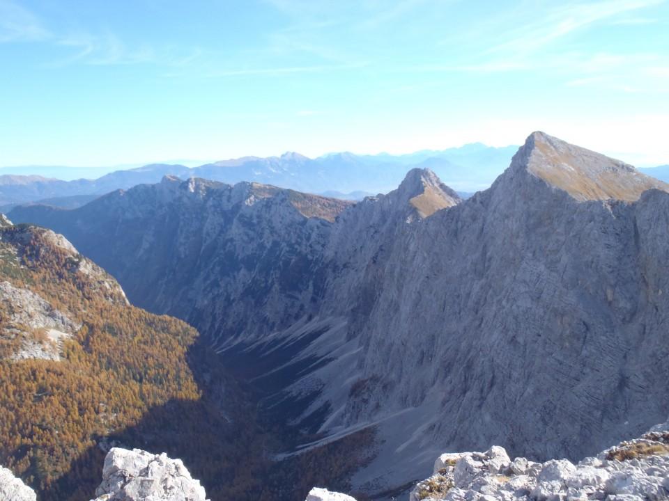 Debela peč in vrhovi do Mali in Veliki Draški vrh.