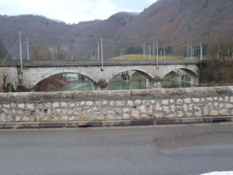 Z mosta fotografija na ostala mosta.