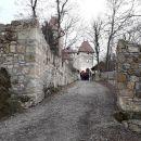 V gradu je leta 1454 umrl celjski  grof Friderik II. mož Veronike Deseniške.