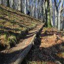 Lepo urejen vzhodni pristop na Donačko goro.